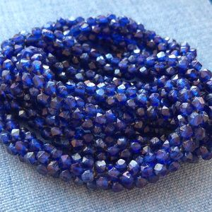 Vintage Antique Art Deco purple necklace seed bead